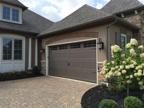 residential garage doors residential garage doors columbus nofziger doors 614