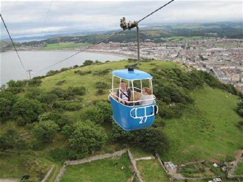 tram at llandudno - Picture of Llandudno, Conwy County ...