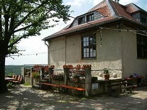 Terrasse Am Haus : kleine erh hte terrasse am haus picture of fuchsturm berggaststatte jena tripadvisor ~ Indierocktalk.com Haus und Dekorationen