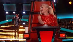 zach seabaugh wows the voice judges with both his looks