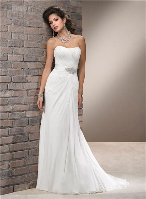 elegant simple   strapless chiffon wedding dress