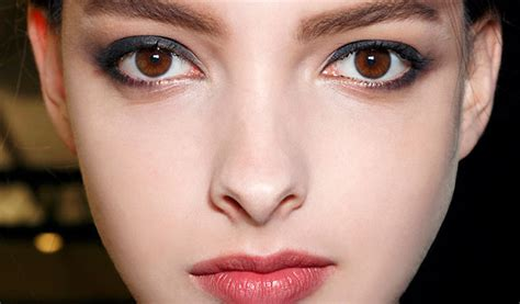 maquillage yeux noir comment maquiller ses yeux noirs