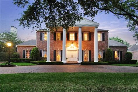 Southern Colonial Photo by Luxury Portfolio