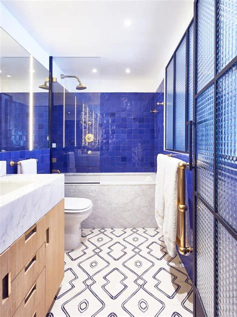 banos ideales  azulejos de color azul oscuro