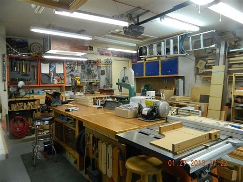 Perfect Woodshop Layout For For Saving Shop Space