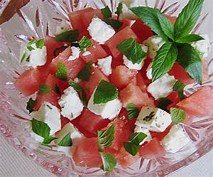 Melone Mit Schafskäse : wassermelonen salat mit schafsk se und minze rezept mit bild ~ Watch28wear.com Haus und Dekorationen