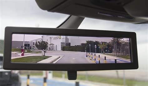 Video Ficosa Introduces Intelligent Rearview Mirror