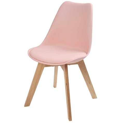 la chambre des d駘ices chaise scandinave pastel maisons du monde