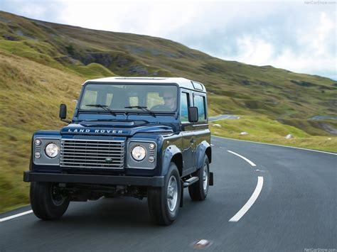 Land Rover Defender 4x4 Review
