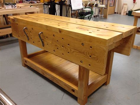 traditional workbench  woodworkers musings