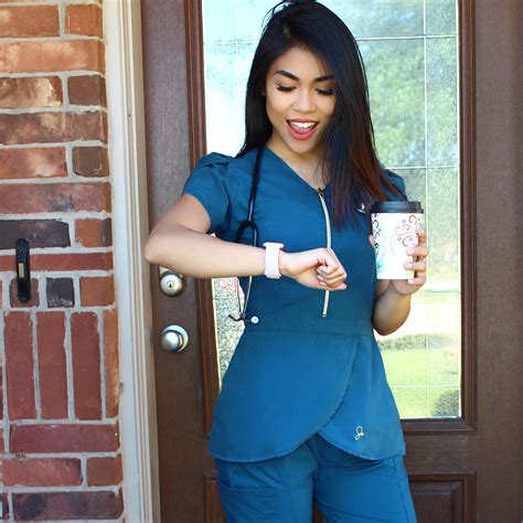 RN, BSN, Nursing, Jaanuu Scrubs - My Jaanuu