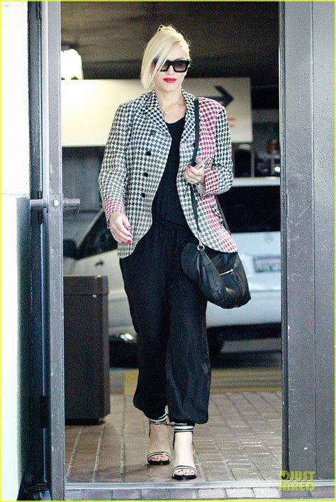 Gwen Stefani Knows How To Style Her Postbaby Body! Photo