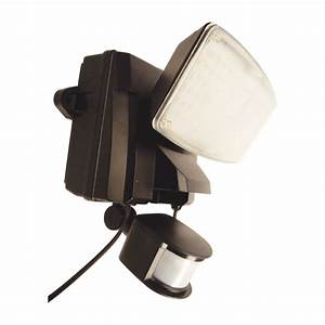 Flood lights with outlet plug on winlights deluxe