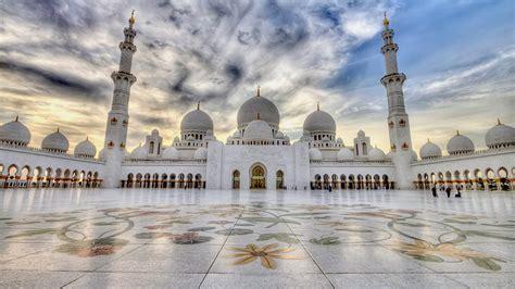 Abu Dhabi Mosque Wallpaper by Beautiful View Of Sheikh Zayed Mosque At Abu Dhabi Uae