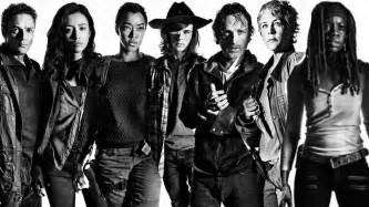 When Does The Walking Dead Resume 2017 by The Walking Dead Season 7 Episode 12 Hints At Which Characters Will Probably Die Next The