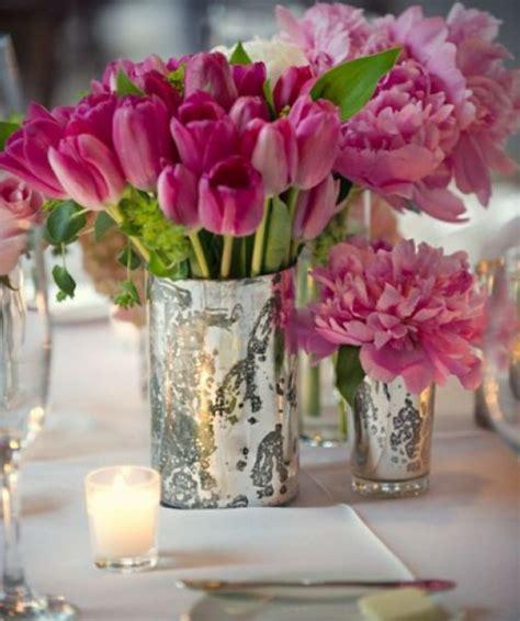cuisine blanc et violet lе vase en verre un joli dé de la déco archzine fr