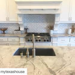 pictures of kitchen backsplash ideas best 25 white quartzite ideas only on