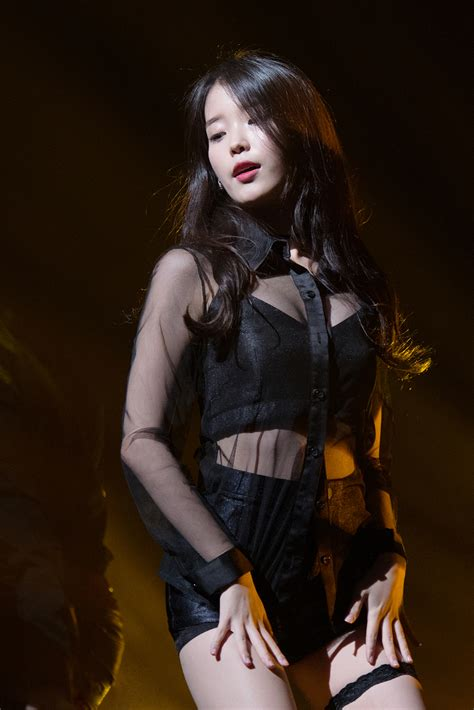 Iu Drops Jaws With This Absolutely Hot Outfit Daily K