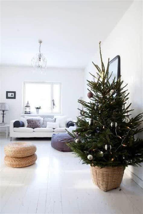25 Simple And Minimalist Christmas Tree Decorations Home