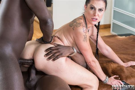 German Milf Texas Patti Takes It In The Ass From Two Black
