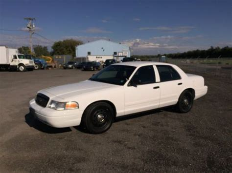 find   ford crown vic p police car
