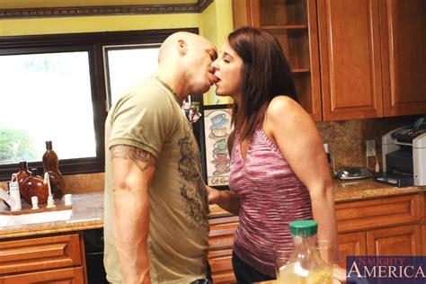 Kasandra Blue And Derrick Pierce In My Friend´s Hot Mom