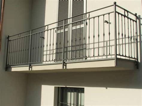 ringhiera balcone prezzi ringhiere dove installare caratteristiche e prezzi