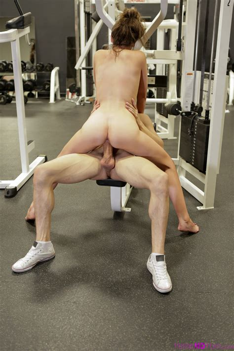 Dark Haired Wench Jessica Rex Fucks Muscled Dude In The