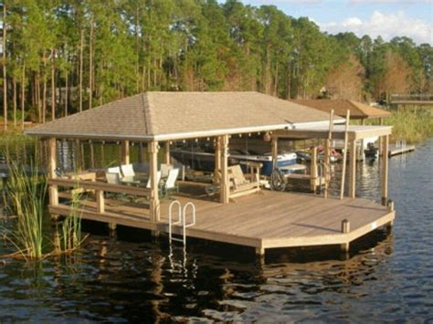 Small Covered Boat by Best 25 Boat Dock Ideas On
