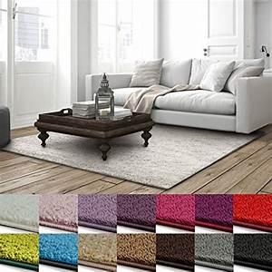 Schöne Teppiche Fürs Wohnzimmer : wei hochflor teppiche und weitere teppiche ~ Michelbontemps.com Haus und Dekorationen