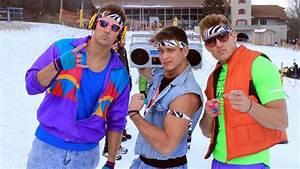 Retro 1980s Skiing Weekend is Real Life u0026#39;Hot Tub Time Machineu0026#39;