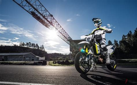 Husqvarna Tx 300 4k Wallpapers by Husqvarna Motorcycles Introduces New 701 Supermoto 701