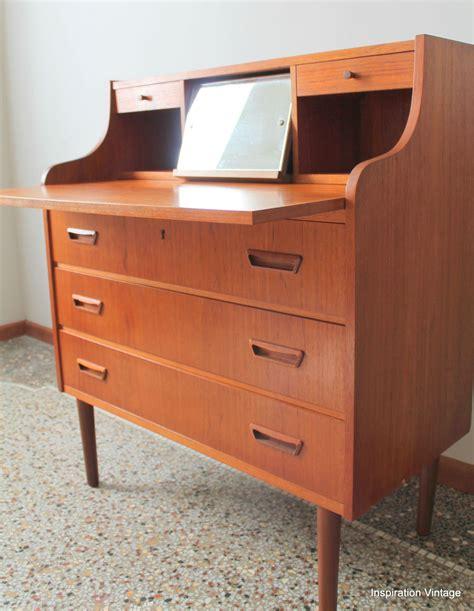 bureau secretaire vintage bureau secrétaire danois dyrlund 60 39 s inspiration vintage