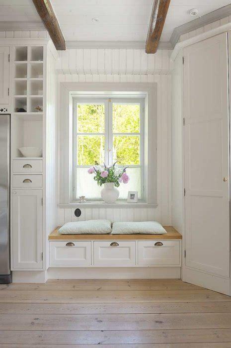 window seat   kitchen content   cottage