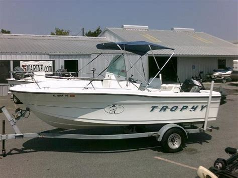Trophy Boats 1903 Center Console by Bayliner Trophy Center Console Brick7 Boats
