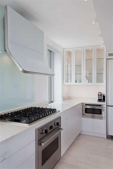 choosing   kitchen range hood wearefound home design