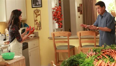 Watch Fresh Off The Boat Netflix by Fresh Off The Boat Sneak Peeks Thanksgiving Rivalry