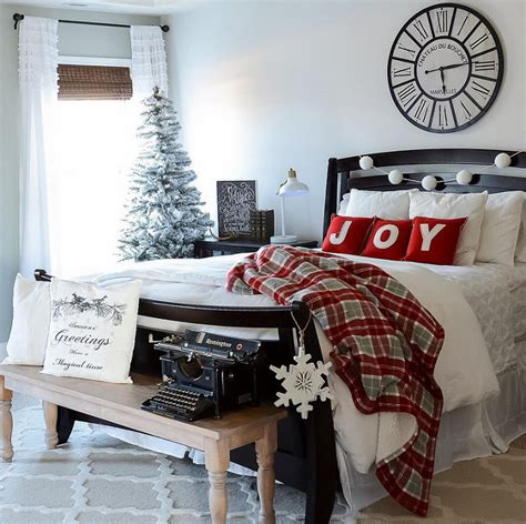 Christmas bedroom ideas will help you to realize your desires. Updating Your Bedroom for Winter - Home Bunch Interior ...