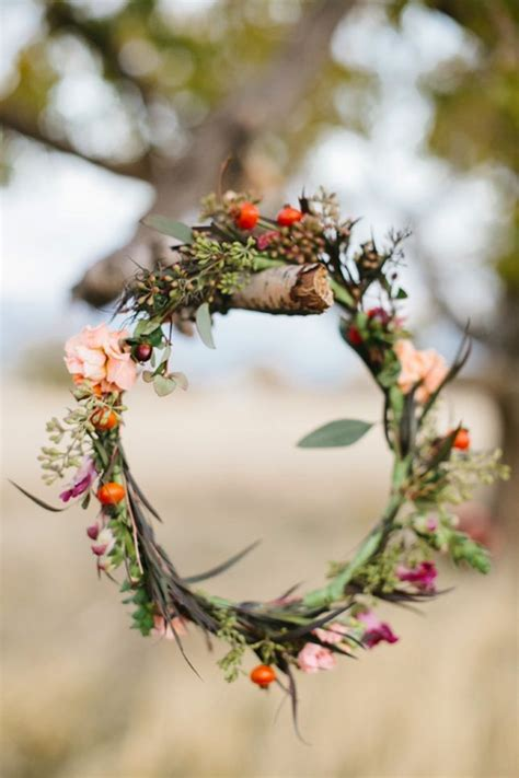 romantic wedding wreath ideas   inspired deer