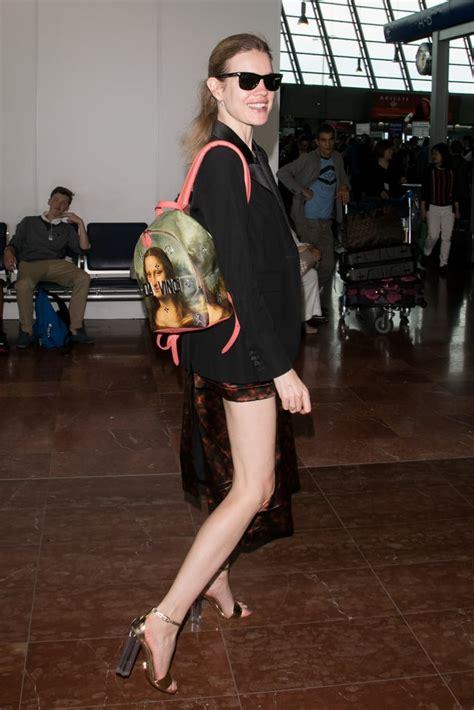 natalia vodianova carrying  louis vuitton  jeff koons mona lisa backpack celebrities
