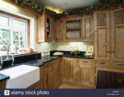 lavello sotto finestra belfast lavello sotto finestra nel paese con cucina dotata
