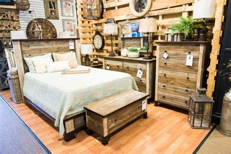 a bit country 5 rustic furniture ideas you ll