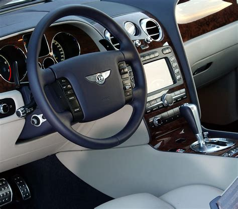 photo continental gt interieur