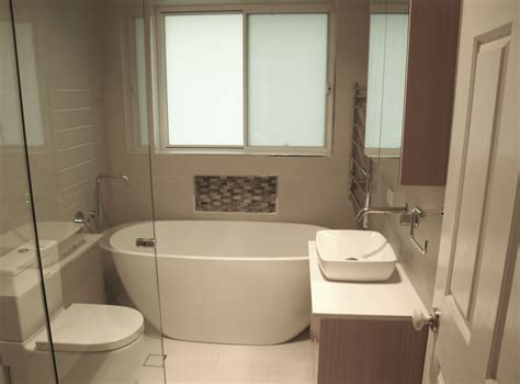 trends  contemporary timeless   bathrooms