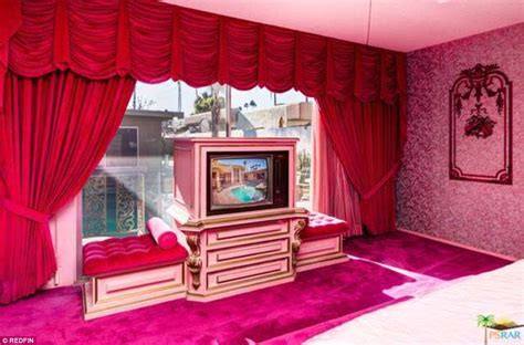mad men style palm springs home    touched