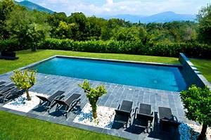 Prix Piscine Beton : quel est le prix d 39 une piscine en b ton ~ Nature-et-papiers.com Idées de Décoration