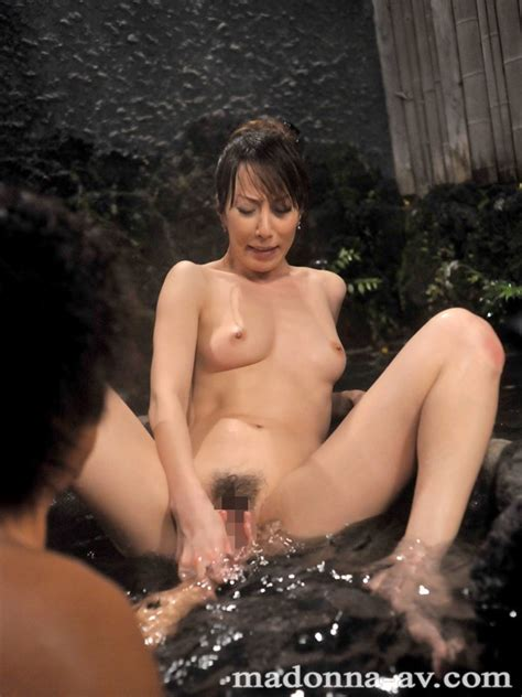 Married Woman Gets Ambushed By The Hot Spring Bus Molesters Reiko Sawamura Juc00395