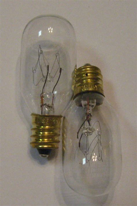 scentsy light bulbs 2 new 15 watt replacement light bulbs for scentsy in