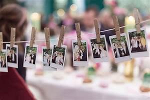 Fotos Aufhängen Schnur : bunte vintage hochzeit von sarah bel photography hochzeit foto girlande und polaroid ~ Sanjose-hotels-ca.com Haus und Dekorationen