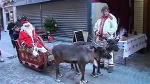 Traineau Du Pere Noel : le pere noel avec ses rennes a barcelonnette youtube ~ Medecine-chirurgie-esthetiques.com Avis de Voitures